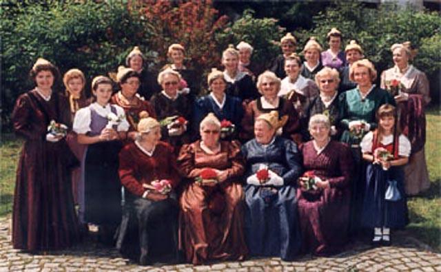 Goldhauben und Kopftuchgruppe Traunkirchen